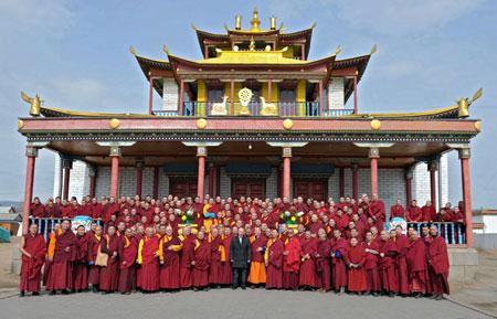 俄罗斯:总统普京参观蒙古族藏传佛教寺庙 - 明藏菩萨 - 上塔山房de博客