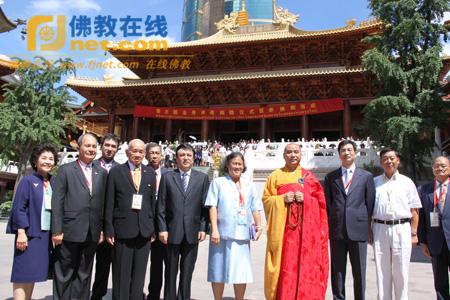 上海静安寺举行泰王国金身佛像捐赠暨泰佛殿落成仪式