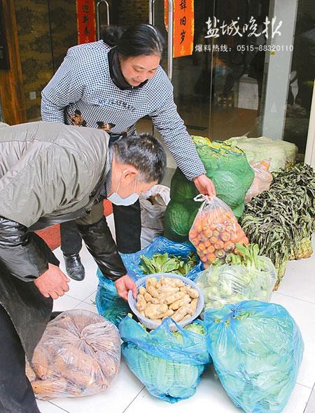 江苏盐城民间居士开办免费素食餐厅
